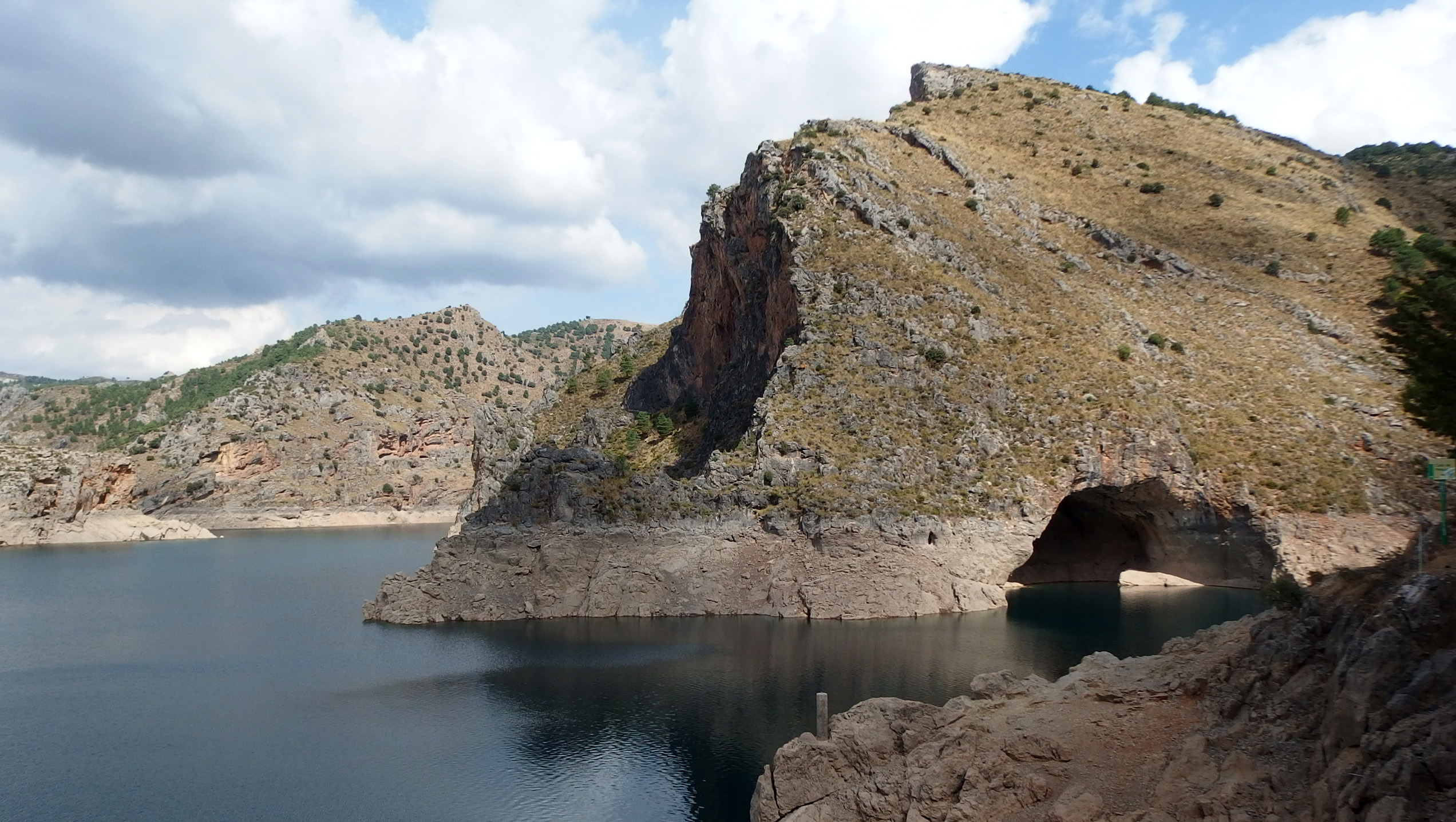 Quéntar Lake – nice peaceful place close to Granada