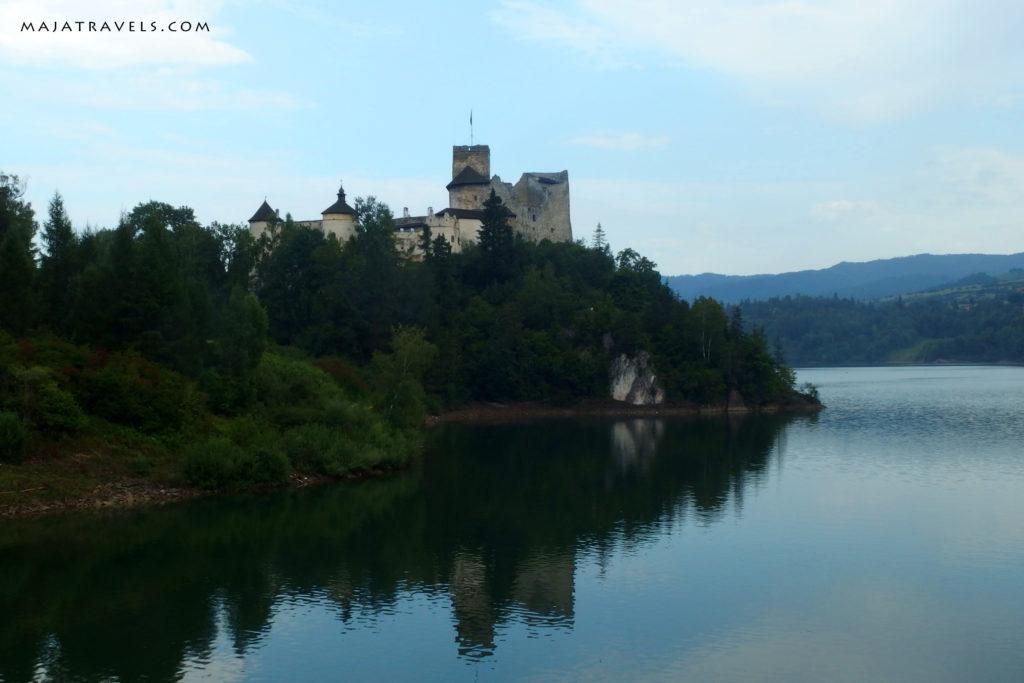 niedzica castle at czorsztyn lake