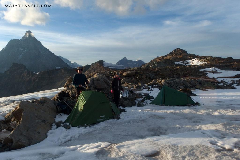 testa grigia, tents on snow