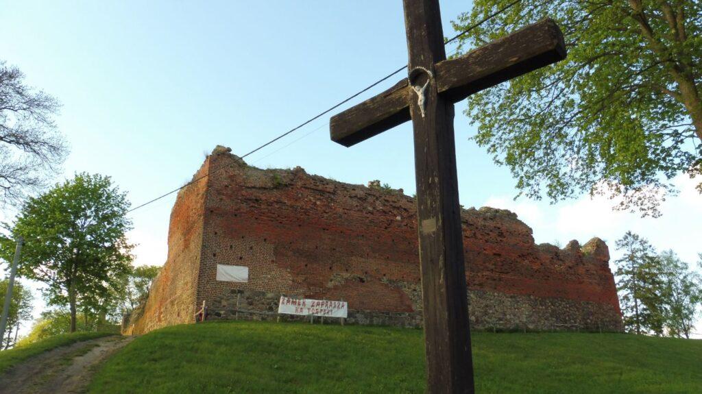 ruiny zamku w starym drawsku